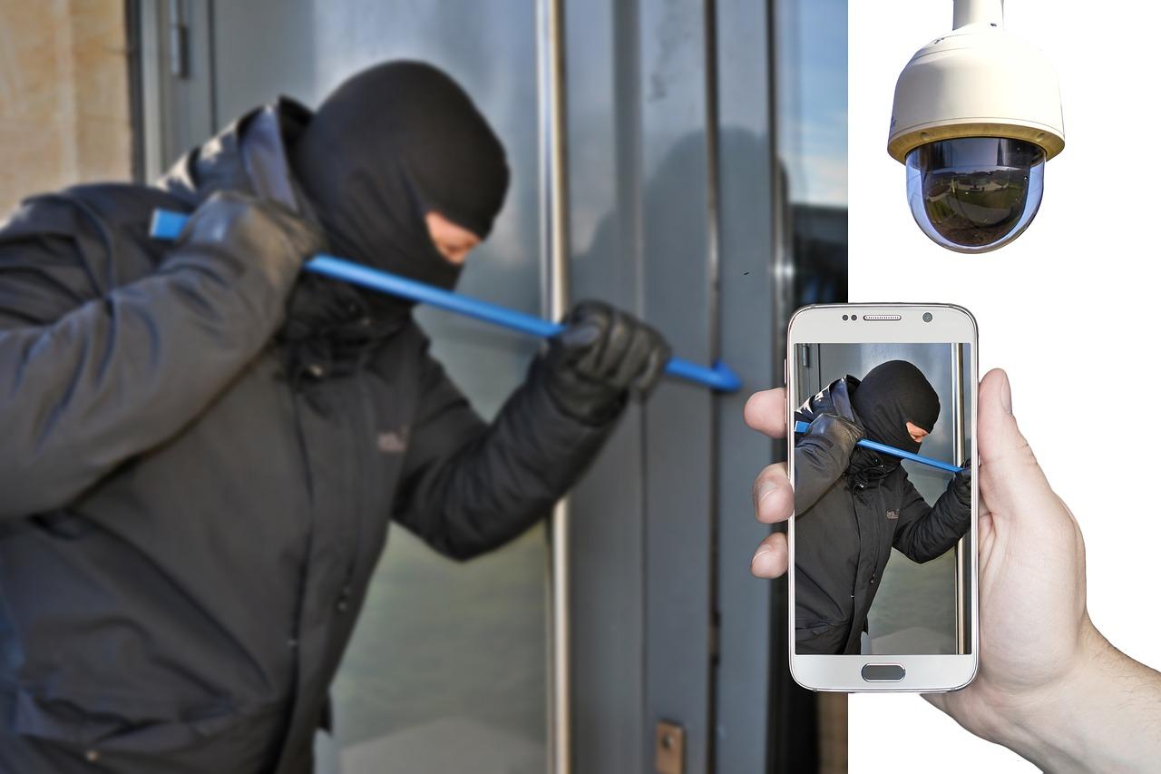 burglar-4194213_1280