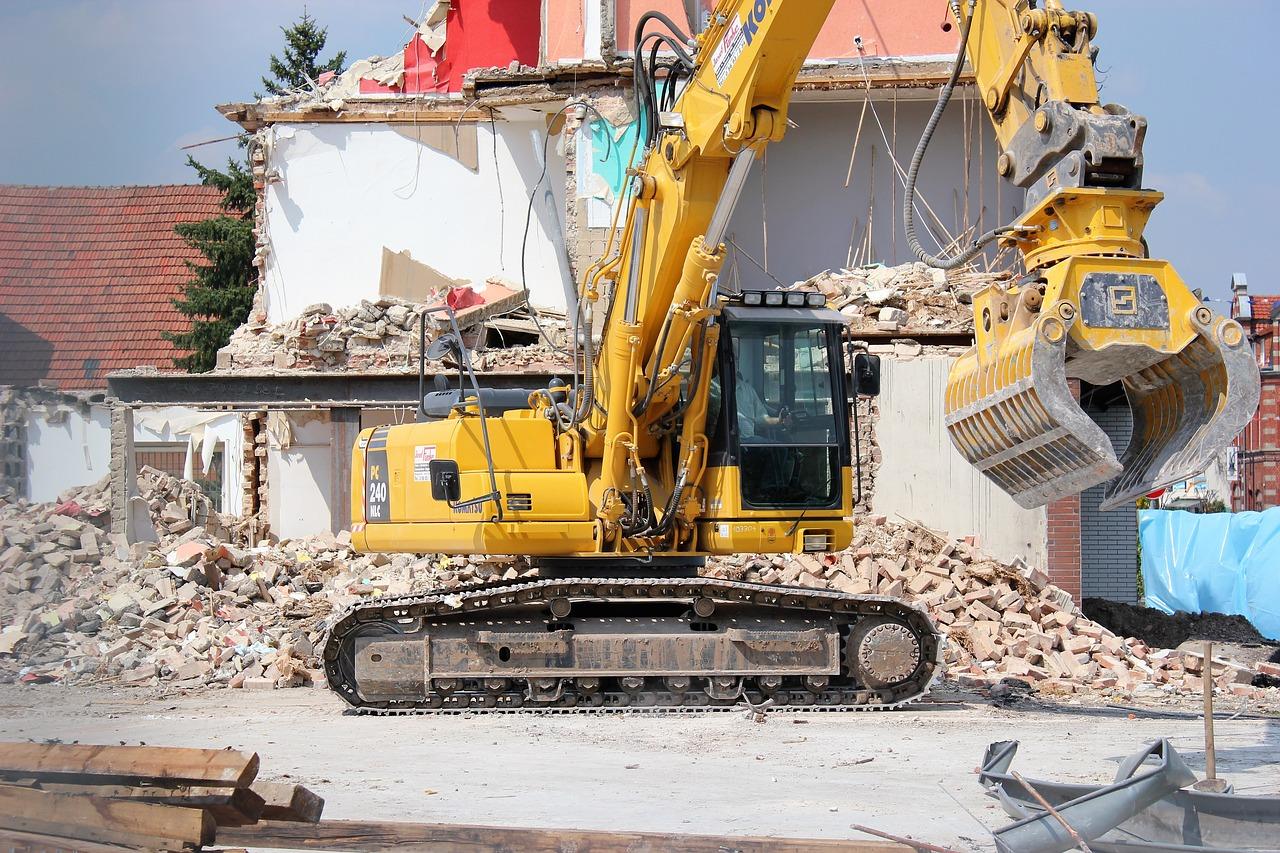 excavators-2481661_1280