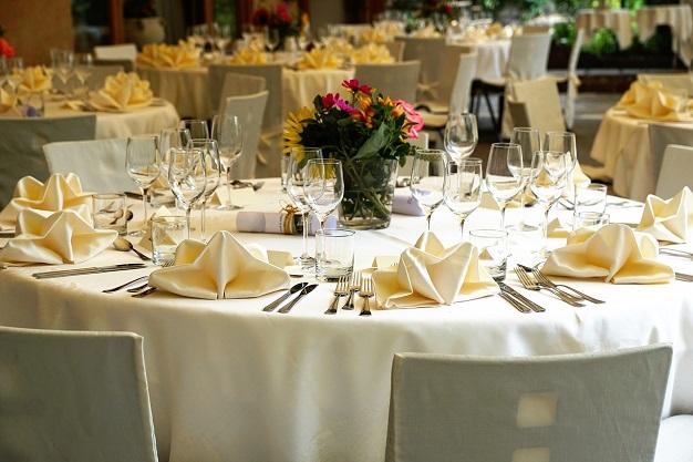 tablecloth-3336687_1280
