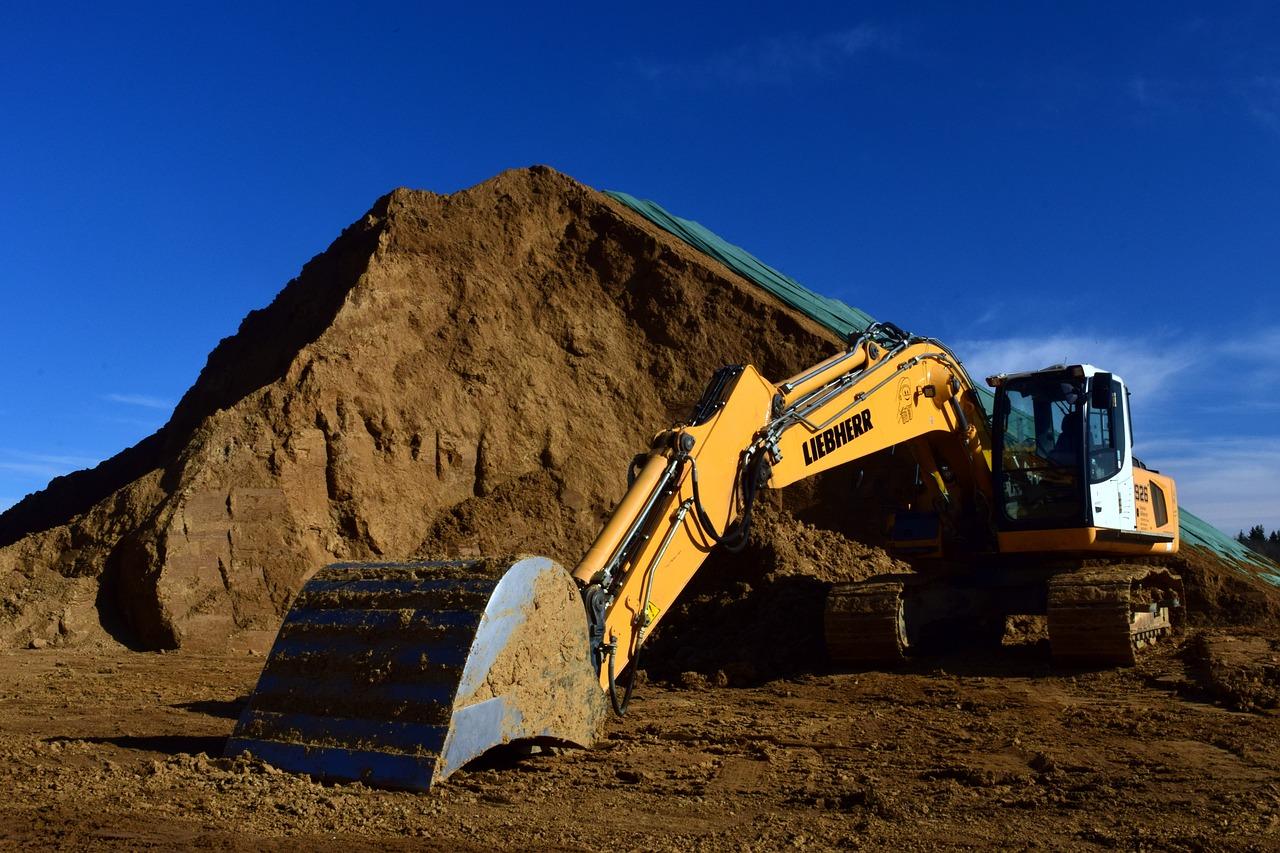 excavators-3282111_1280