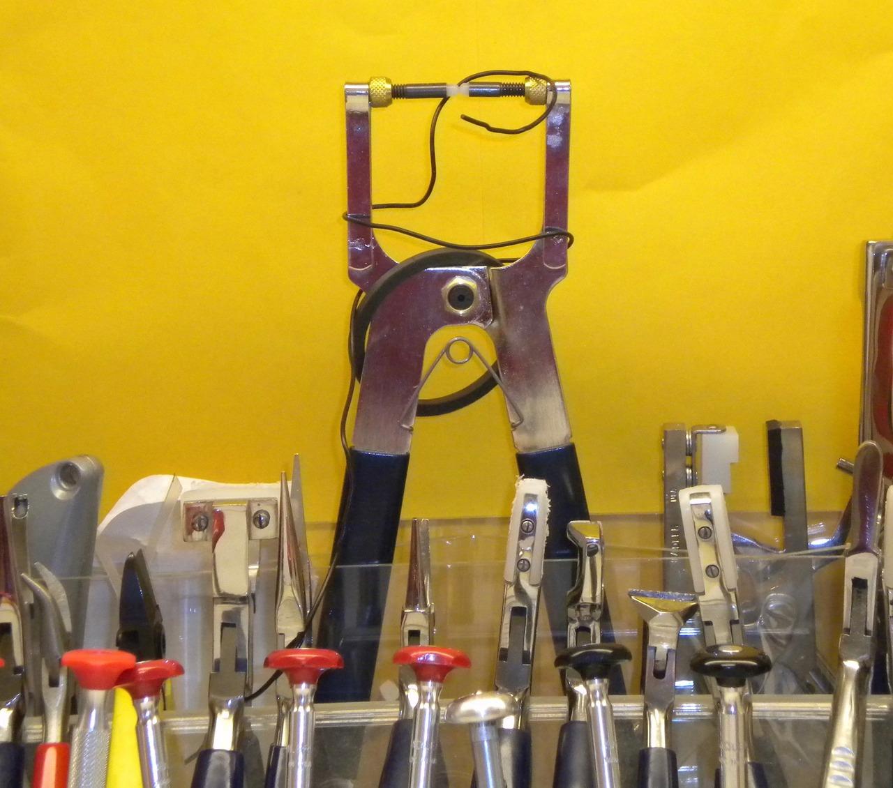 tools-1476049_1280